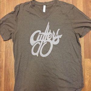 CUTTERS V-Neck Vintage T-shirt